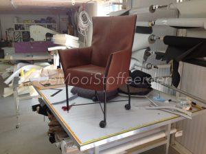leer gestoffeerd stoel9